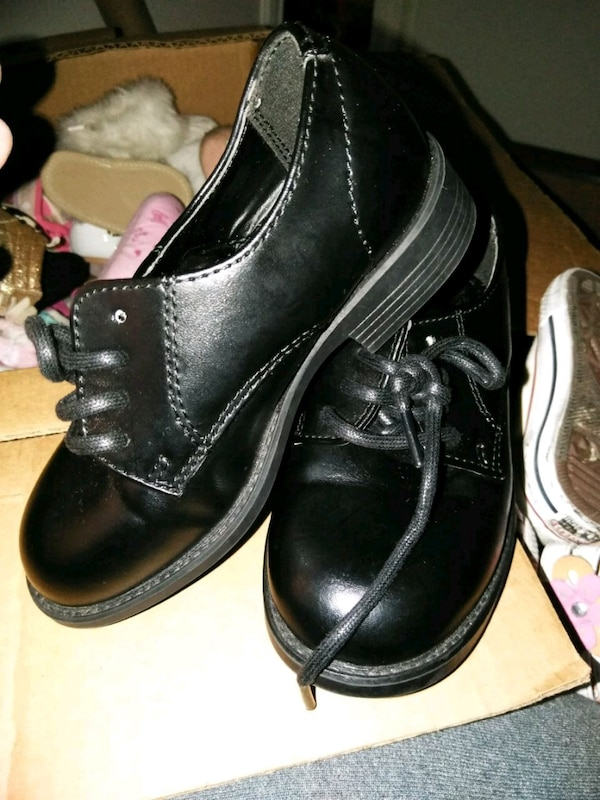 7240e9c7805963 Used pair of black leather dress shoes for sale in Plano - letgo