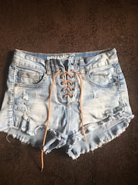 Woman's light wash shorts  Mississauga, L5M