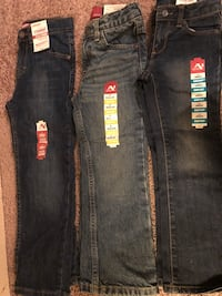3 pairs Brand New Toddler  Arizona jeans size 4. New with all tags. Asking $30 for all 3  Pick up nw 10th and May at 7-eleven  Oklahoma City, 73107