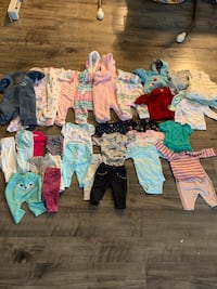 Baby girl clothes 0 to 3 months.