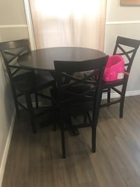 Pub style kitchen table with chairs Windsor, N9C 1Y5