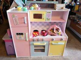 Play kitchen @ clic klak used toy warehouse mississauga
