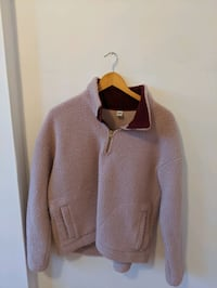 Sweater Pointe-Claire, H9S 5B7