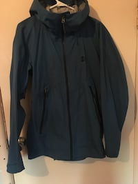 Brand New MEC 2for1 rain coat and insulated layer Vancouver, V6H 0A9