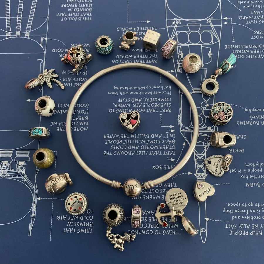 Selling this beautiful Pandora bracelet and all charms.