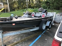 2003 tracker v18 tournament edition bass boat Chattanooga, 37403