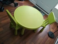 Kids table and chairs Waterloo, N2L