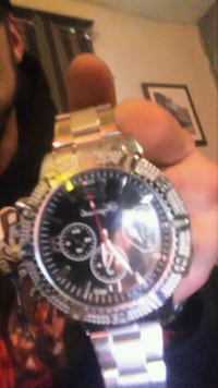 Bling watch bran new with tag still on it Hamilton