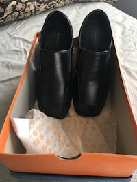 Boys size 1 shoes never worn  Mississauga, L5B 4G7