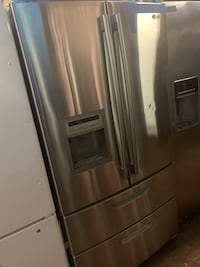 LG stainless steel 4 doors fridge in excellent conditions Baltimore, 21223
