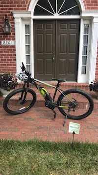 2017 Electric bike Fuji/Bosch and pedal assist almost new Manassas, 20110