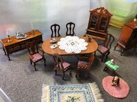 Brown wooden table with chairs Benicia, 94510