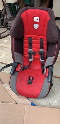 baby's red and black car seat Sterling, 20165