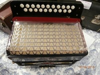 Hohner 8 bass button accordion C/F the key 1970-1980 purple marble and black Stratford