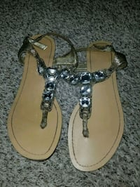pair of brown-and-black sandals Lemoore, 93245