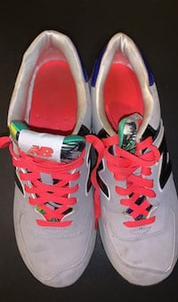 New balance gym shoes/9 Dearborn Heights, 48125