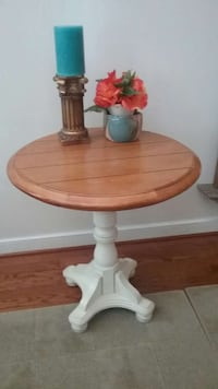Round table,  can be coffee table or side table Columbia, 21045