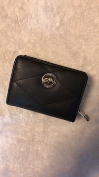 Roots Women's billfold wallet and coin purse  Toronto, M5S