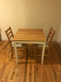 Table & 2x chairs New York, 10024