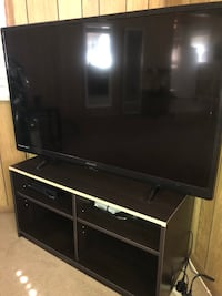 Tv with stand  Bloomington, 92316
