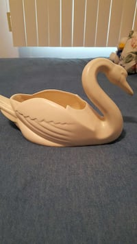 Vintage Bauer Ray Murray Design Swan Planter Los Angeles, 90025