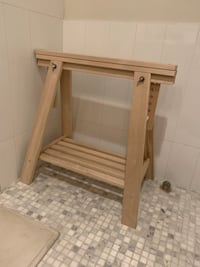 Towel stand