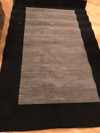 Black and gray area rug Hinesville, 31313