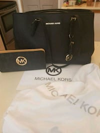 Michael Kors handbag and wallet  Whitby, L1N 8X2