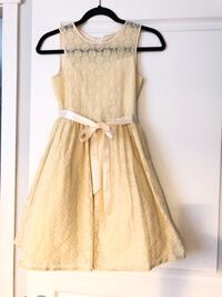 Girl's beautiful lace dress size 14 Langley, V2Y 2Y4