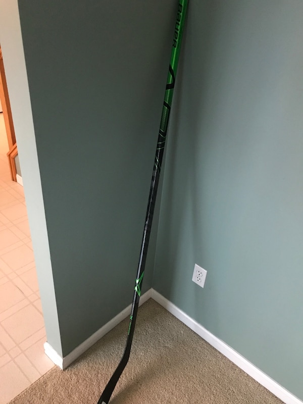 4dfcd223748 Used BAUER VAPOR ADV STICK for sale in Fenton - letgo