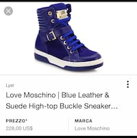 Sneakers alte di Moschino in pelle blu