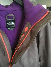 purple and black zip-up jacket Saint-Nicolas, G7A 2P3