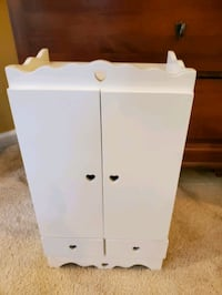 AMERICAN GIRL DOLL bedroom closet/armoire