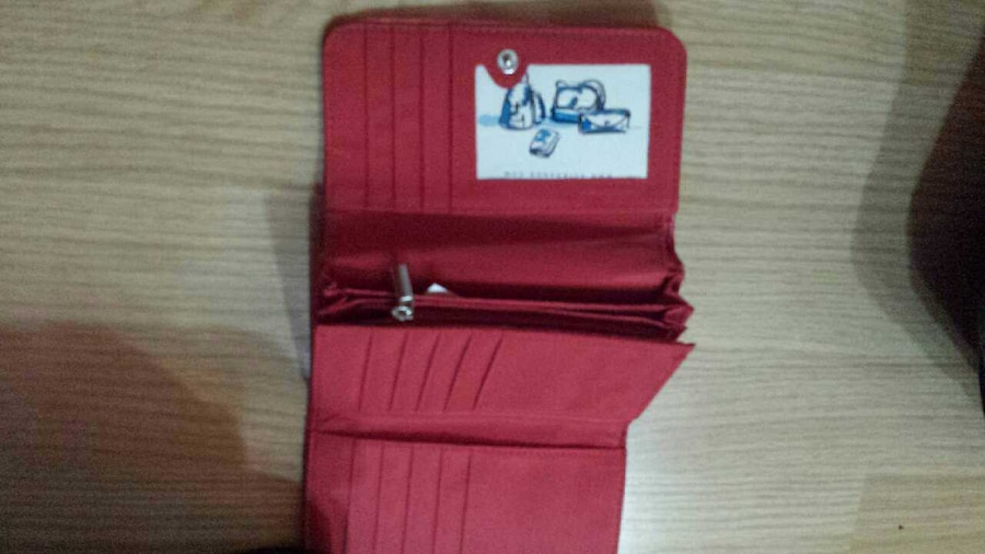 red leather trifold wallet - Toronto