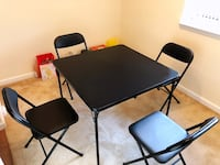 Black dining table with four chairs 阿灵顿, 22202