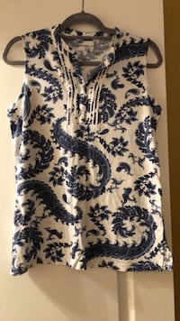 White and blue floral sleeveless top Algonquin, 60102