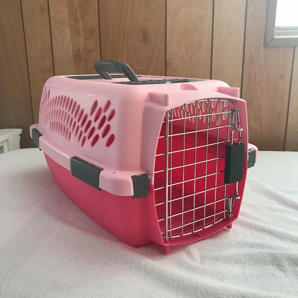 e0e550eedf Used Pink Cat Carrier for sale in Jacksonville - letgo