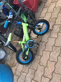 Excellent condition except one wheel can't keep the air because it has been outside for one winter season . Recommend for who know how to fix. Hamilton, L9A 1T3
