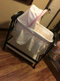 baby's white and pink bassinet Mission, 78572