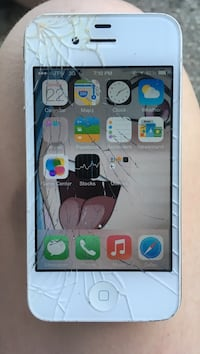 Carrier unlocked, works fine, cracked screen, original apple charger and metal braided charger Saint Martinville, 70582