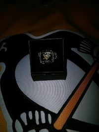1991 Pittsburgh Penguins Molson Canadian Ring Windsor, N8W 0A1