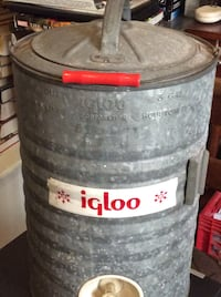 Vintage Igloo cooler 3 gal. galvanized water industrial Lynn