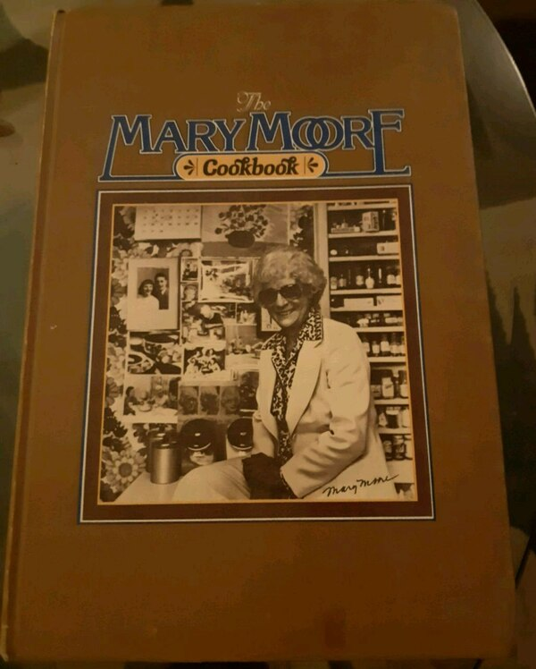 Collectiable Mary Moore Cook Book 1978 4ab0cd9e-6a89-4497-9e21-091c0fb20a21
