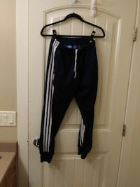Adidas small sweat pants small Kelowna, V1V 1V6