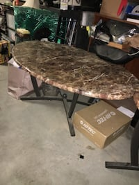 Brown and black marble top table Riverside, 92505