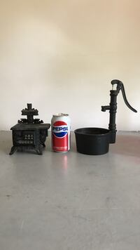 CAST IRON STOVE & WELL (LOT OF 2) Bristol, 06010