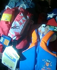 2 NWT life jackets for children.one is 20 to 33lbs Mendota, 24270