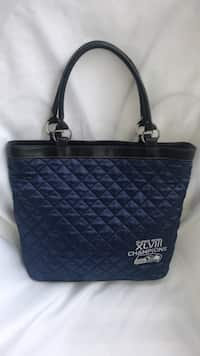 Used Louis Vuitton Luggage Case for sale in Bellevue - letgo 3b54f4f5f201a