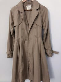 Brand new thin trench coat Burnaby