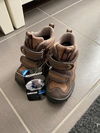 Brand new with tag Geox winter snow boots size 5.5 toddler Bradford, L3Z 2A4